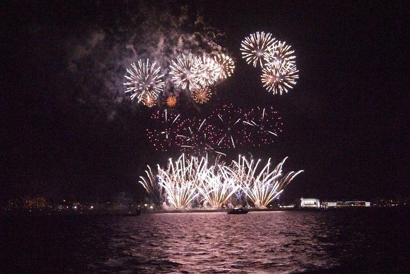 【沖縄・琉球海炎祭】花火大会をクルーザーで海から眺めるツアーに参加しました!