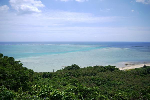 ウェディングもできちゃう沖縄南部の絶景カフェ[やぶさち]