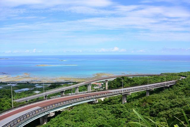 沖縄南部のおすすめ観光スポット 絶景・ビーチ・離島・グルメ
