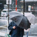 沖縄で台風直撃に備えて台風対策ー吹き返しの風には要注意
