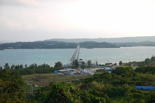 長く伸びる橋の絶景!沖縄北部の離島「古宇利島」